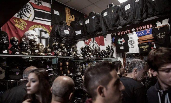 Η Μέκκα του φασισμού: Στη γενέτειρα του Μουσολίνι βρυχάται το τέρας της Ακροδεξιάς