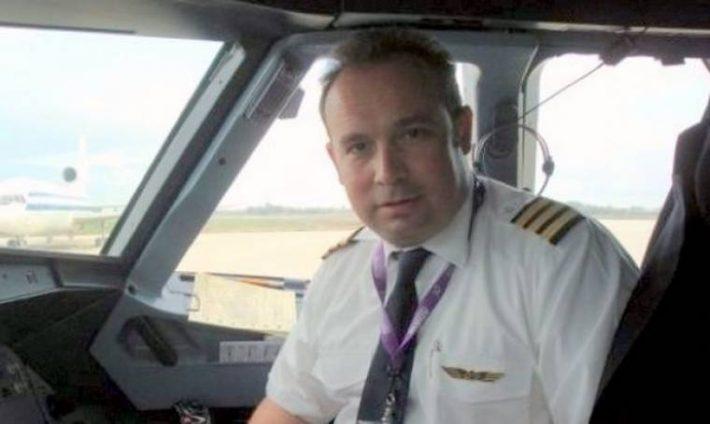 «Λίγα δευτερόλεπτα και θα 'ταν νεκρός»: Ο από μηχανής Θεός που έσωσε τη ζωή του Κώστα Μακεδόνα όταν συνετρίβη το ελικόπτερό του (Pics)