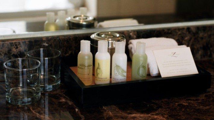 5 πράγματα που ΟΛΟΙ κλέβουν από το ξενοδοχείο