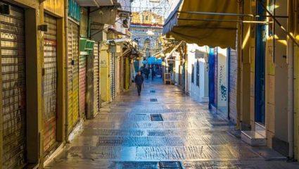 «Είναι υπέροχη η Αθήνα τον Αύγουστο»: Το κλισέ που σου τρυπάει το μυαλό