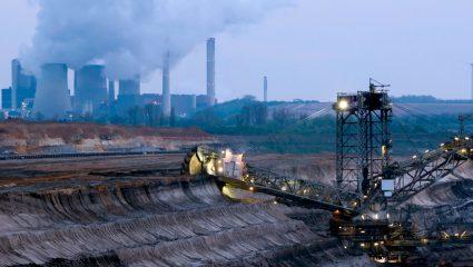 Η ανεπάρκεια στρατηγικού σχεδίου από τη ΔΕΗ πληγώνει το περιβάλλον και μας χρεώνει ως και 150% παραπάνω