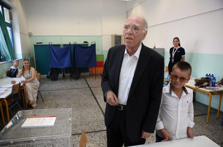 4 κόμματα που μέχρι τις επόμενες εκλογές θα χουν βάλει λουκέτο