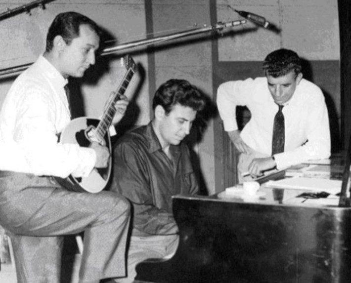 Λέρωσε το τεράστιο όνομά του: Το κομμάτι-όνειδος που δεν έπρεπε ποτέ να τραγουδήσει ο Μπιθικώτσης