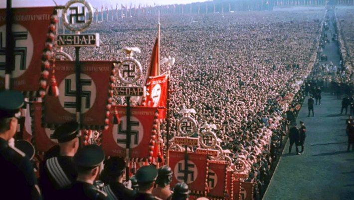 Εξισώνεται ο ναζισμός με τον κομμουνισμό;