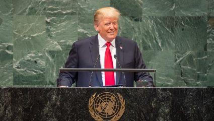 Η οριστική αποκαθήλωση: Ο Πρόεδρος Τραμπ σκάβει κάθε μέρα τον λάκκο του όλο και περισσότερο