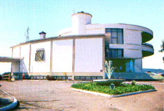 «Ξαναγεννιέται» το θρυλικό Hotel Lakonis που λάτρεψαν Σοφία Λόρεν και Τζέιμς Κάμερον