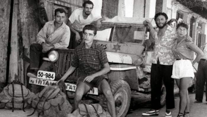Οι υπαρξιστές του Ψυρρή: Η τρελή και παλαβή παρέα που άλλαξε τα 50s