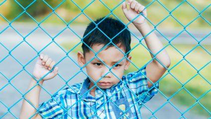 Παιδιά εγκλωβισμένα σε ένα κενό κατανόησης και παρατημένα στα νοσοκομεία Παίδων