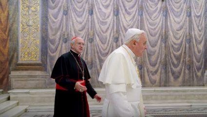 The Two Popes: Μια ιερατική κωμωδία που εξελίσσεται εν μέσω ενός σκανδάλου