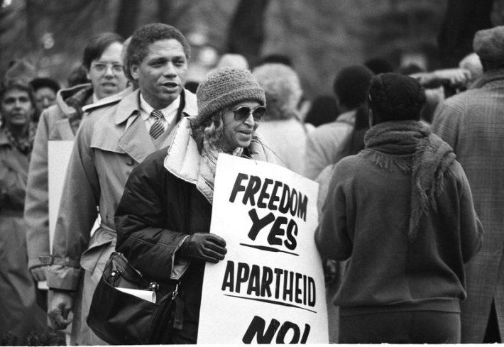«Απλά είχα βαρεθεί να υποχωρώ»: Η ιστορία της μαύρης γυναίκας που τα έβαλε μόνη της με τον ρατσισμό