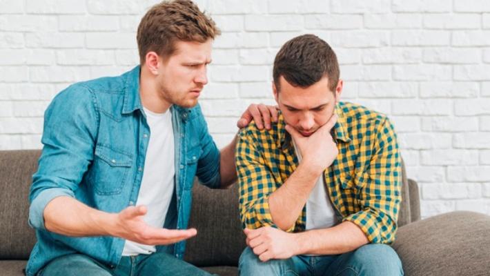 «Μην αγχώνεσαι»: Οι 5 πιο ηλίθιες συμβουλές που μπορείς να δώσεις σε κάποιον