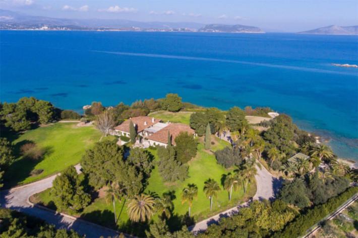 Θα το ζήλευε και ο CR7: Το ελληνικό σπίτι-ανάκτορο των 20 εκατομμυρίων που κανείς δεν ξέρει τον ιδιοκτήτη του (Pics)