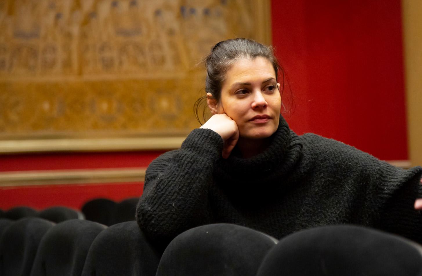 Η Μαρία Κορινθίου μας «ξεναγεί» σε μια πλευρά της που αξίζει πολύ περισσότερης προσοχής