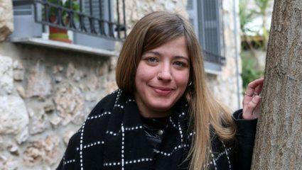 Η Ιουλία Καραπατάκη έκανε το ρεμπέτικο να «ανθίσει» ξανά στην Ελλάδα