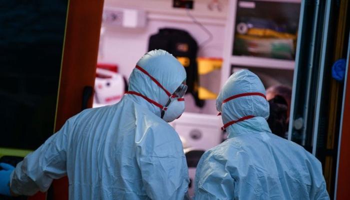 Ο λόγος που η Ελλάδα έχει λιγότερα κρούσματα από τη χώρα με το καλύτερο σύστημα υγείας στον κόσμο