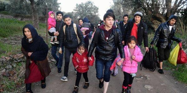 Λέσβος: «Εισαγόμενοι» εμπρηστές από την Αθήνα έκαψαν το σχολείο προσφύγων