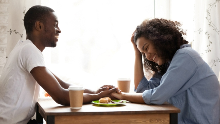 5 φράσεις-γκαραντί για να μην τσακώνεσαι με τη σύζυγο στην καραντίνα