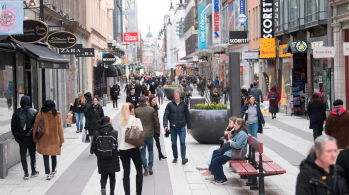 «Καμία ανοσία της αγέλης»: Η πραγματική στρατηγική που ακολουθεί η Σουηδία και δεν μπορεί να αντιγράψει κανείς