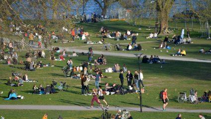 ΠΟΥ: Η θέση του για το πείραμα της «Ανοσίας της αγέλης» που επέλεξε η Σουηδία