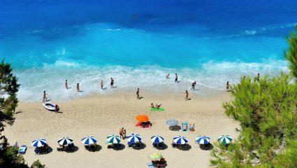 Καθαριότητα, τιμές: 5 τομείς που οι τουρίστες βάζουν κάτω απ' τη βάση στην Ελλάδα