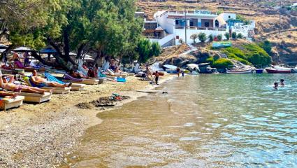 Σε 90′ έφτασες: Κοντινές, low budget διακοπές στο νησί που αν το γνωρίσεις δεν θα το αλλάξεις ποτέ