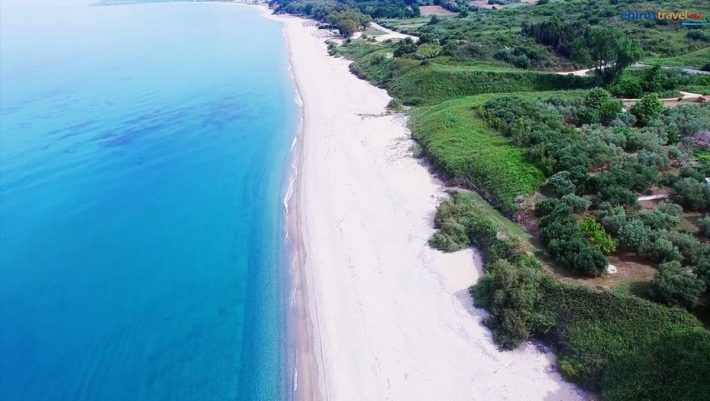 25 Km όνειρο: Η μεγαλύτερη και ασφαλέστερη παραλία της Ευρώπης είναι ελληνική (Pics)