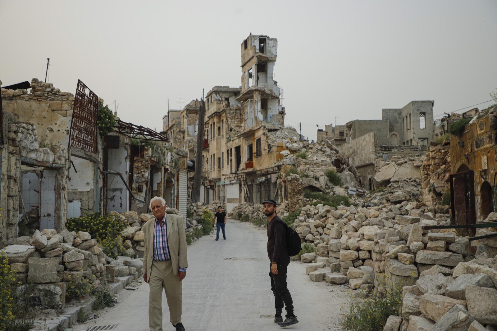 Ο Αλέξανδρος Τσούτης έχει ταξιδέψει σχεδόν σε όλο τον μη δυτικό πολιτισμό και μοιράζεται τις εμπειρίες του