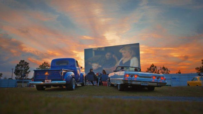 Εκτόξευση πωλήσεων: Ο κορωνοϊός επαναφέρει το Drive-In cinema στην Ελλάδα 40 χρόνια μετά