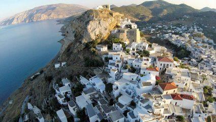 Μια «Κυκλάδα» στην καρδιά του Αιγαίου: Το νησί που έχει συγκριτικό πλεονέκτημα αυτό το καλοκαίρι