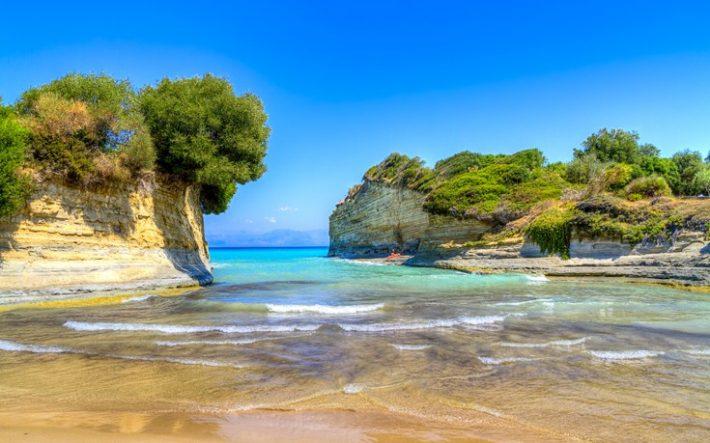 Μεγαθήριο: Η τεράστια παραλία της Κέρκυρας που θεωρείται απ' τις πιο ασφαλείς στην Ευρώπη