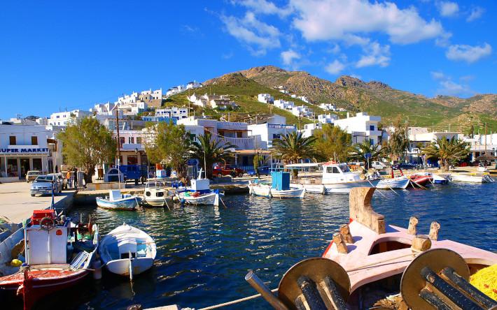 72 παραλίες χωρίς ξαπλώστρες: Η Σέριφος παραμένει covid free με το πρόγραμμα «Μένει μεταξύ μας»