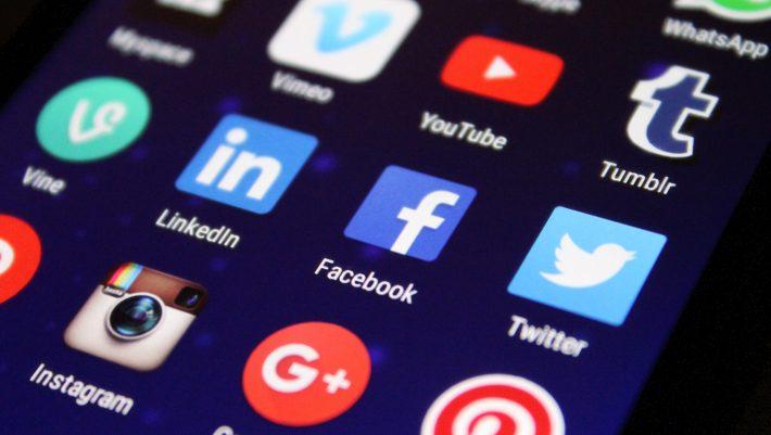 Social media σε σημείο 0: Ο Τραμπ ωθεί Facebook και Twitter σε κρίση ταυτότητας