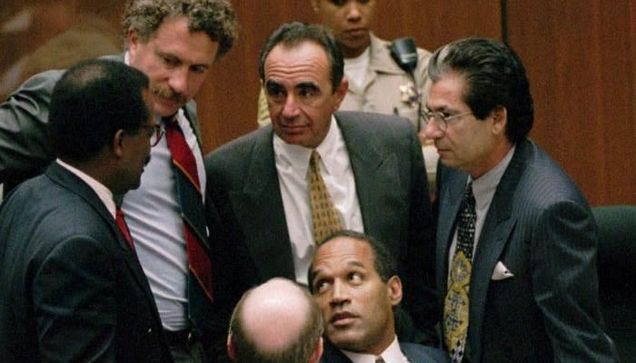 Η απάτη με τα χάπια και το γάντι: Το ιδιοφυές τρικ του δικηγόρου που κατόρθωσε να αθωώσει τον O.J. Simpson