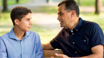 «Εγώ στην ηλικία σου έπιανα την πέτρα και την έστιβα»: 5 αφόρητα επαναλαμβανόμενες ατάκες γονιών
