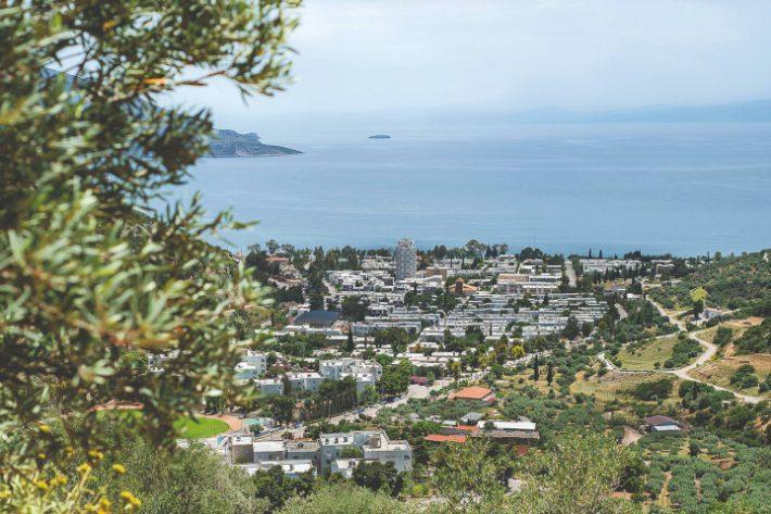 Κωμόπολη- πρότυπο: Έφτιαξαν ένα «νησί» πολύ υψηλού βιοτικού επιπέδου στην καρδιά της Ελλάδας