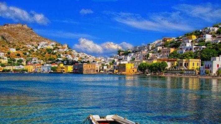 Παραλίες-όνειρο, καλό φαγητό, λίγοι τουρίστες: Το νο1 low budget νησί για ποιοτικές διακοπές μακριά από συνωστισμό