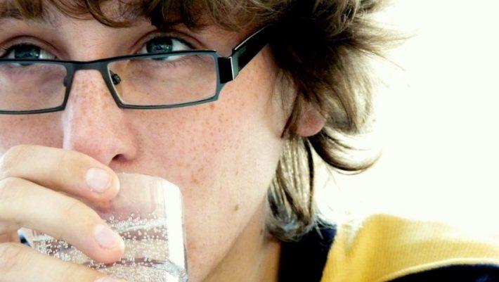 Μια γουλιά αρκεί για να σε πείσει: Το «ποτό» που πρέπει να εντάξεις στην καθημερινότητά σου… χθες