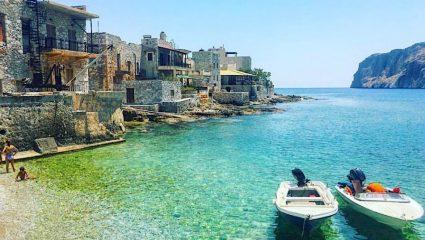 Από το Airbnb στη σιγουριά: Η νέα τάση διακοπών που βάζει φωτιά στις τιμές των ακινήτων στην Ελλάδα