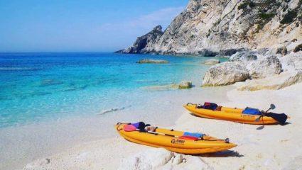 Ο τελευταίος ανέγγιχτος παράδεισος της Ελλάδας: Το άγνωστο νησάκι του Ιονίου που έχει πάντα ήλιο