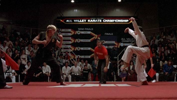 «Γερανός» από το Karate Kid: 5 σκανδαλωδώς υπερβολικές σκηνές σε ταινίες