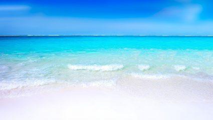 Ούτε στα πιο δημοφιλή νησιά: Στην παραλία – όνειρο που φτάνεις με 10€ βενζίνη δεν καταλαβαίνεις καύσωνα (Pics)