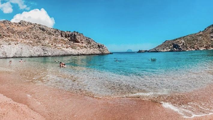 Τα συνδυάζουν όλα: 3 οικονομικά νησιά, χωρίς πολύ κόσμο για να κάνεις τις πιο ξέγνοιαστες διακοπές