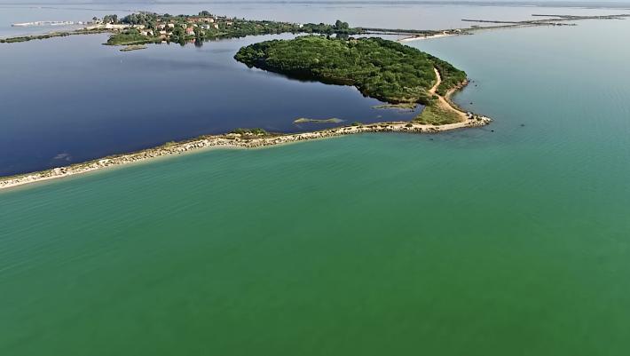 Η «ελληνική Πολυνησία»: Το χωριό που νομίζεις ότι επιπλέει στο νερό είναι ο ορισμός των διακοπών (Pics)