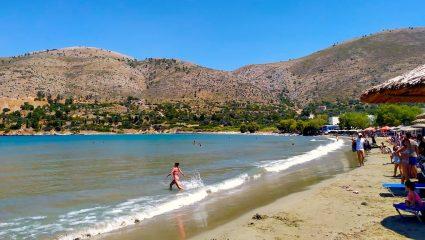 Έχει τα πάντα εκτός από κορωνοϊό: Το νησί με τα λιγότερα κρούσματα στην Ελλάδα δεν χάνεται φέτος (Pics)