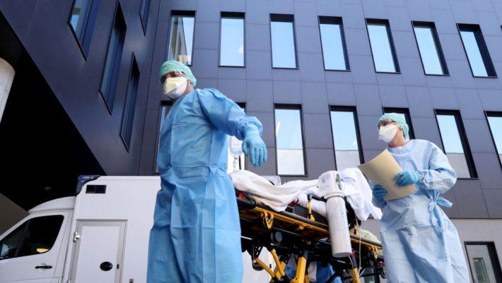 Οι υπερμεταδότες: Τα 3 επαγγέλματα που διασπείρουν τον ιό περισσότερο απ' όλα τα άλλα