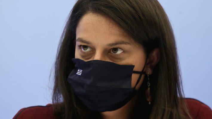 Αυτές τις τιμωρίες θα επιβάλλει η Κεραμέως στους μαθητές χωρίς μάσκες (Pics)