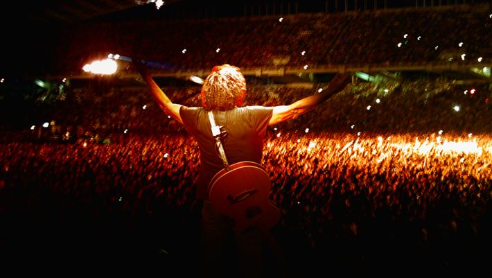 50.000 στις εξέδρες, 30.000 όρθιοι: Η ροκ συναυλία στην Θεσσαλονίκη που παραμένει αξεπέραστη 30 χρόνια μετά
