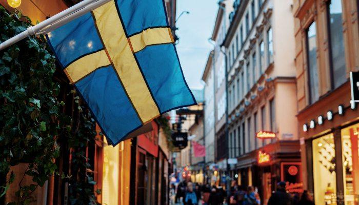 Κορωνοϊός: Δυστυχώς, γίναμε Σουηδία...