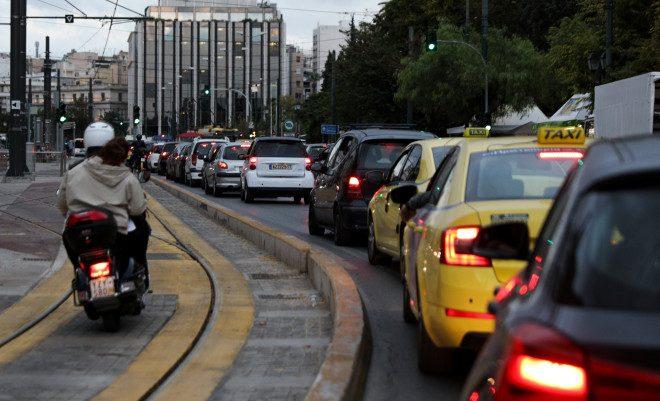 Ελλάδα, η χώρα που λίγες ώρες πριν το lockdown συμβαίνει αυτή η ντροπή (Pics)