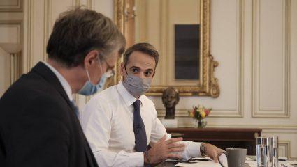 Η Παρασκευή κρίνει τα πάντα: Τα 3 νέα μέτρα που έχει στα χέρια του ο πρωθυπουργός αν δεν πέσουν τα κρούσματα